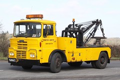Guy Big J4 recovery LPR 279H (gylesnikki) Tags: guy yellow recovery wrecker bigj chilternqueens