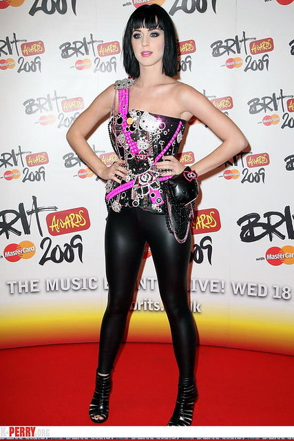 KATY PERRY in leather pants 04