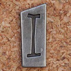 Pewter Ransom Font I (Leo Reynolds) Tags: canon eos iso100 ii letter 60mm f8 oneletter iiii letterset 0ev 025sec 40d hpexif grouponeletter letterpewter letterpewterransom xsquarex xleol30x xratio1x1x xxx2012xxx