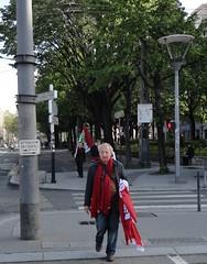 Les camarades rappliquent ! (FDG Lyon Circo 3) Tags: lyon pg drapeaux 1ermai fdg avenuejeanjaurès partidegauche frontdegauche