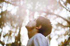 free for a while (Rob Aparicio) Tags: boy portrait selfportrait blur 50mm flickr skin bokeh retrato autoretrato desenfoque mm 50 50mm18 tumblr canoneos1000d robaparicio robertoaparicio robaparicioflickr flickrtotumblr