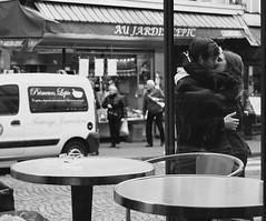 Le Deux Moulin (Ai in Technicolor) Tags: girls boy paris love bar kiss couple streetphotography kisses hide baci amelie amore tender coppia parigi ragazzi boysandgirls ragazze amori tenerezza confidance loveisyou dinascosto bacirubati ledeuxmoulin