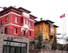 DSC04326 (ebruzenesen - esengül) Tags: old turkey türkiye türkei ev ankara turquia eski yeşil kırmızı ulus taş turkuaz hamamı hamamönü eskievler oldhause şengül ebruzenesen esengülinalpulat