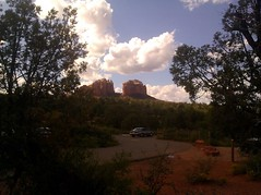 Cathedral Rock View (Sedona Clearing House) Tags: trees arizona sky mountain car clouds forest parkinglot sedona redrock mesa cathedralrock littlehorsetrail