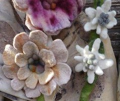 eco print und Filzschmuck (gardendreamhouse) Tags: flowers felted handmade handcraft wol filz wolle wetfelting ecoprint wetfelted handgrafted