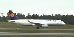 D-AIUC GOT 250516 (kitmasterbloke) Tags: sweden outdoor aircraft aviation gothenburg got goteborg landvetter