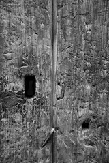 old door-bw_DSC0202-W (taocgs) Tags: door old bw detalle detail puerta antique bn antiguo sxvi