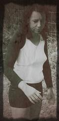 Petite balade dans la nature (photophil16) Tags: sexy nature noir mini jupe et blanc salope chaude bonasse