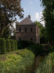 Eindhoven - Sint Joseph (grotevriendelijkereus) Tags: holland church netherlands nederland chapel eindhoven convent kerk brabant klooster noord kapel
