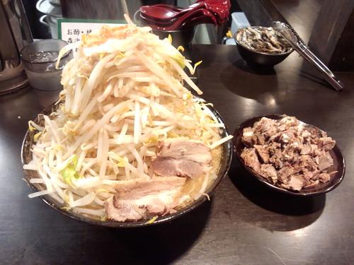 四条にぼ次朗 豚骨にぼ一郎刻み肉増し野菜マシマシ