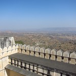 "View from Kumbalgarh Fort <a style=""margin-left:10px; font-size:0.8em;"" href=""http://www.flickr.com/photos/14315427@N00/6788415442/"" target=""_blank"">@flickr</a>"