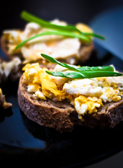 Morning sandwiches (wojtek0) Tags: food breakfast sandwich eggs scrambledeggs springonion