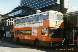 G M Buses 6988 (DWH 704W)