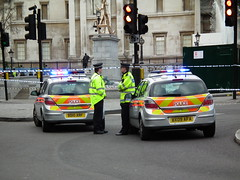 Suspicious package on Trafalgar Square 8th March 2012 (36) (kenjonbro) Tags: silver astra vauxhall metropolitanpolice cfb bx09afa bd10arf