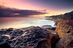 d e c e p t i v e (James.Breeze) Tags: sea seascape sunrise rocks waves shelf curly northernbeaches curlcurl canonef1740mmf4l southcurlcurl jamesbreeze