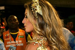 Gisele Bundchen (  Claudio Lara ) Tags: city carnival blue girls light red brazil people music color sexy green face rio brasil riodejaneiro night canon de photography photo dance eyes olhar kiss samba downtown day cityscape foto action live centro pg sensual copacabana blond villa carnaval hdr urca cabelo ipanema niteri sambdromo arcosdalapa praiavermelha conventodesantateresa pantene sapuca giselebndchen vilaisabel sambadrome brazil2014 brasil2014 rio2016 cludiolara claudiol riomaravilhoso clccam