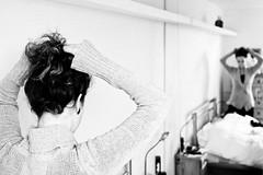 Anna (Marcin Kowalski) Tags: bw london nikon foto bodylanguage fotografia lightroom d300 nikkor35
