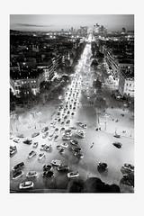 Print (Arc de Triomphe) (lambertwm) Tags: bw holiday paris france cars print blackwhite cityscape chaos view traffic rushhour frankrijk autos uitzicht arcdetriomphe trafficjam parijs verkeer 2011 placedeletoile herfstvakantie stadsgezicht spitsuur