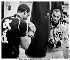 Marvin Petit et Hadillah Mohoumadi, Boxing Club Saint-Quentin-en-Yvelines Elancourt (Olivier PRIEUR) Tags: boxer boxing boxe boxeur punchingball elancourt sacdefrappe hadillahmohoumadi bcsqy marvinpetit