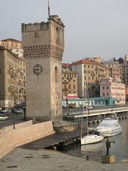 Torre Leon Pancaldo (Torretta), Savona (twiga_swala) Tags: italy architecture port italian italia torre medieval porto leon della medioevale savona ligura torretta quarda pancaldo