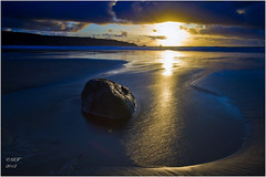 Baie des trepasses-Finistère-Brittany-France (Ronan Follic) Tags: sunset sun mer france canon brittany bretagne breizh bleu 7d plage coucherdesoleil finistere littoral pointeduraz brittanyferry cornouaille capsizun pointedebretagne follic blueeyesphotography