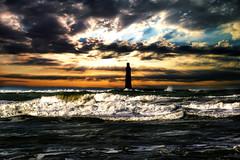 entre ciel et mer (llyglad) Tags: mer nikon couleurs bleu paysages ocan temptes passionphotos pcheries llyglad jeanfranoisjosso baladesocanes cieldorages