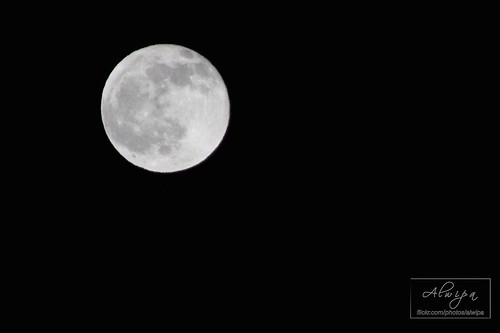 """The moon • <a style=""""font-size:0.8em;"""" href=""""http://www.flickr.com/photos/104879414@N07/13893485264/"""" target=""""_blank"""">View on Flickr</a>"""