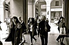 bul-148 (enricoerriko) Tags: street red italy art hope blackwhite europe italia porto bologna goldenage vermeer johannes perla ro murales antiquariato rembrandt molo italie olanda rachele torri sanpetronio giulio ambulanti mercatino bollicine santostefano modernariato civitanovamarche orecchino portocivitanova bulagna ragazzaconlorecchinodiperla erriko palazzofava enricoerriko xvii°secolo