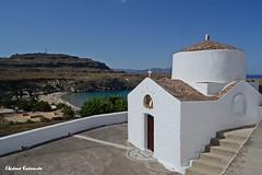 Λίνδος Lindos (Eleanna Kounoupa) Tags: white seascape weather islands rocks greece beaches rodos lindos littlechurch λευκό εκκλησάκι dodecaneseislands βράχια νησιά δωδεκάνησα ρόδοσ λίνδοσ παραλίεσ καιρόσ άσπρο θαλασσινότοπίο