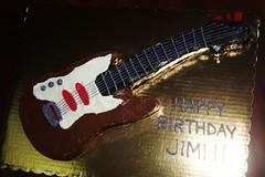 Guitar Cake by Gloria