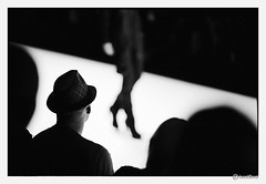 viewer (look-book) Tags: new blackandwhite bw white black berlin film fashion analog canon blackwhite foto dress trix f1 d76 55mm fotos sw analogue mode blacky catwalk fd f12 modenschau lookbook selfdeveloped aspherical analogous analogicas análogo blackydress