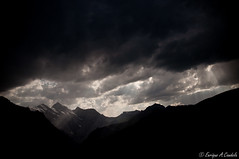 opening the sky (hunter of moments) Tags: light sky naturaleza mountain black art luz clouds contraluz landscape nikon natura paisaje cielo nubes montaa rayos d5000