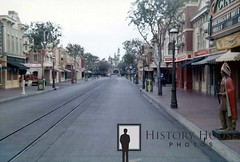 """Disneyland Main Street • <a style=""""font-size:0.8em;"""" href=""""http://www.flickr.com/photos/56515162@N02/6876040975/"""" target=""""_blank"""">View on Flickr</a>"""