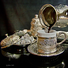 A break to little coffee ... (Rebeca Mello) Tags: stilllife cup coffee caf photoshop sweet teapot stillife xcara bule docinho cs5 canoneos50d servingcoffee rebecamello rebecamcmello magicunicornverybest magicunicornmasterpiece turkishcoffeeset servindocaf