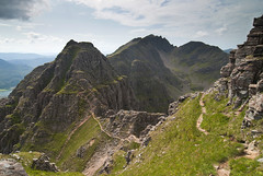 Am Fasarinen and Mullach an Rathain, Liathach (Nick Landells) Tags: mountain mountains scotland hill scottish hills pinnacles torridon liathach mullachanrathain amfasarinen pinnaclesofamfasarinen