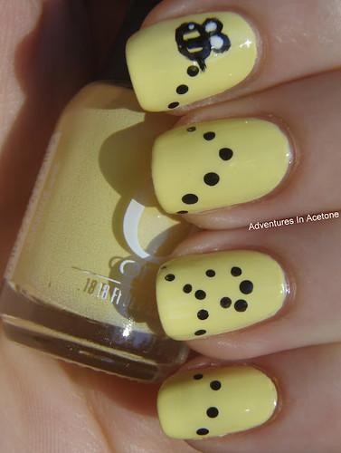 Banana Bee Nails