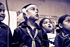 Orchestrated Glances (Donovan Shortey) Tags: arizona people southwest fashion chica indian culture tribal nia nativeamerican jewlery navajo aboriginal tribe adolescentes americanindians reservation joven   indgena americano indianer navaho  amrindiens dineh  indienne     ndios navajonation arizony   din   indianie  sdwesten navajoindians  kzlderili indianere indianische  indianerreservat                nordamerikas nawahowie indianieamerykipolnocnej