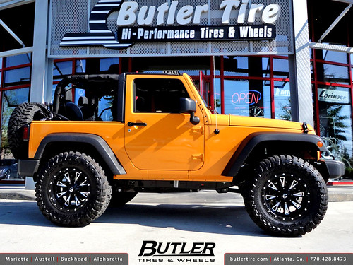 Jeep Wrangler with 18in Fuel Throttle Wheels 35in Toyo MT Tires