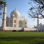 "Taj Mahal <a style=""margin-left:10px; font-size:0.8em;"" href=""http://www.flickr.com/photos/14315427@N00/6934365073/"" target=""_blank"">@flickr</a>"