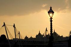 Hungerford Bridge (Peter Denton) Tags: london skyline southbank lamppost riverthames hungerfordbridge festivalpier londonist canoneos60d ©peterdenton