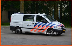 Dutch Police VOA Groningen. (NikonDirk) Tags: holland netherlands dutch mercedes benz support foto cops traffic accident inspection nederland police science safety commercial cop technical vehicle groningen reconstruction drenthe collision analysis noord vito investigation politie forensic verkeer trafficpolice analyses verkeers verkeerspolitie hulpverlening nikondirk 6vlk03 47vtx6