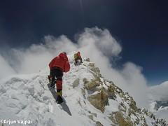 003-A pocs metres del Cim-Arjun (ferran_latorre) Tags: nepal summit alpinismo montaa makalu cumbre ferranlatorre cat14x8000 hanswenxl arjunvajpai boyanpetrov