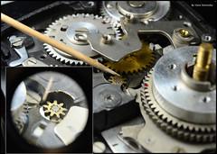 Kalloflex Transport & Counter Mechanism (03) (Hans Kerensky) Tags: kowa kalloflex transport stop counter mechanism gears problem repair messing teeth wheel wear loose