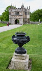 SCE_7496 (staneastwood) Tags: building urn architecture hall cornwall arch 19thcentury statelyhome nationaltrust manorhouse gatehouse lanhydrock castellation plantpit staneastwood stanleyeastwood