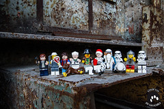 IMG_2549 (Marco Brambilla) Tags: game abandoned miniatures miniature model lego decay games abandon giochi gioco minifigure giocattoli abbandonato minifigures giocattolo decadimento