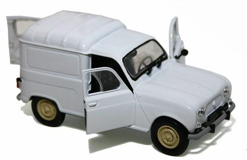 Univ.Hobbies Renault 4 van
