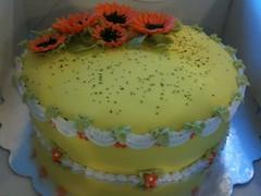 Celebration cake (Kageting.dk) Tags: flower cake modelling kage lambeth pske fondant fdselsdagskage gumpasteflower sugarmodelling