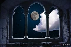 Ciel d'hiver (Vision d'Esprit) Tags: moon church night lune star nuit etoile eglise abbaye nuagecloud fenetrewindow