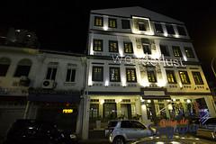 Wanderlust Hotel, Singapore (Tony Glvez) Tags: india canon de geotagged eos hotel high singapore asia little so