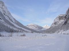 Snow valley (spikeybwoy - Chris Kemp) Tags: canada view valley vista banff plain canadianrockies